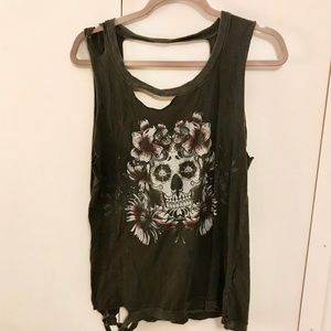 Chaser Distressed Skull Tank Top S